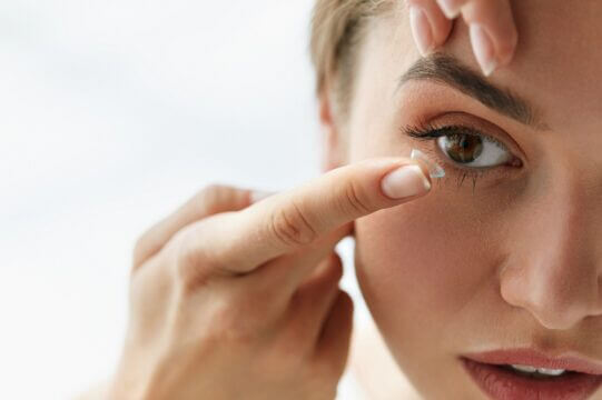 Contact lense fitting at our Fort Lauderdale optometrist office